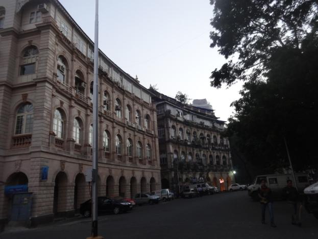 Buildings around Hornimam Circle