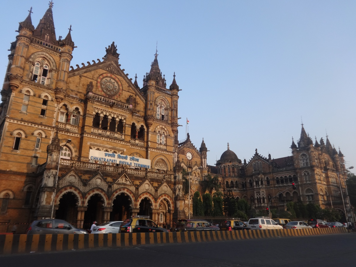 Mission Mumbai - A Street Walk Around CST Station & Hornimam Circle – Part 1