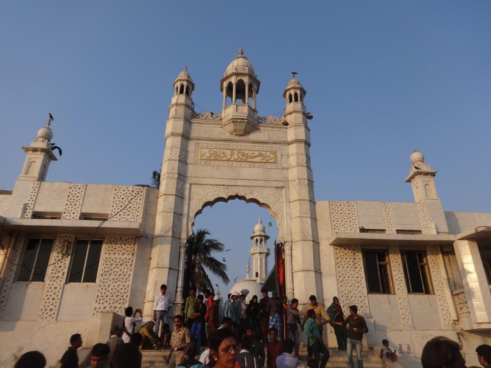 Haji Ali Dargah - A Mosque of Faith (3/6)