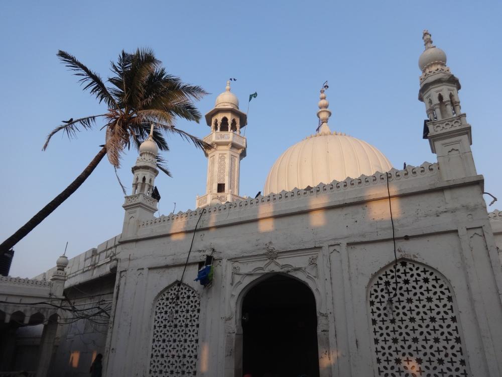 Haji Ali Dargah - A Mosque of Faith (2/6)