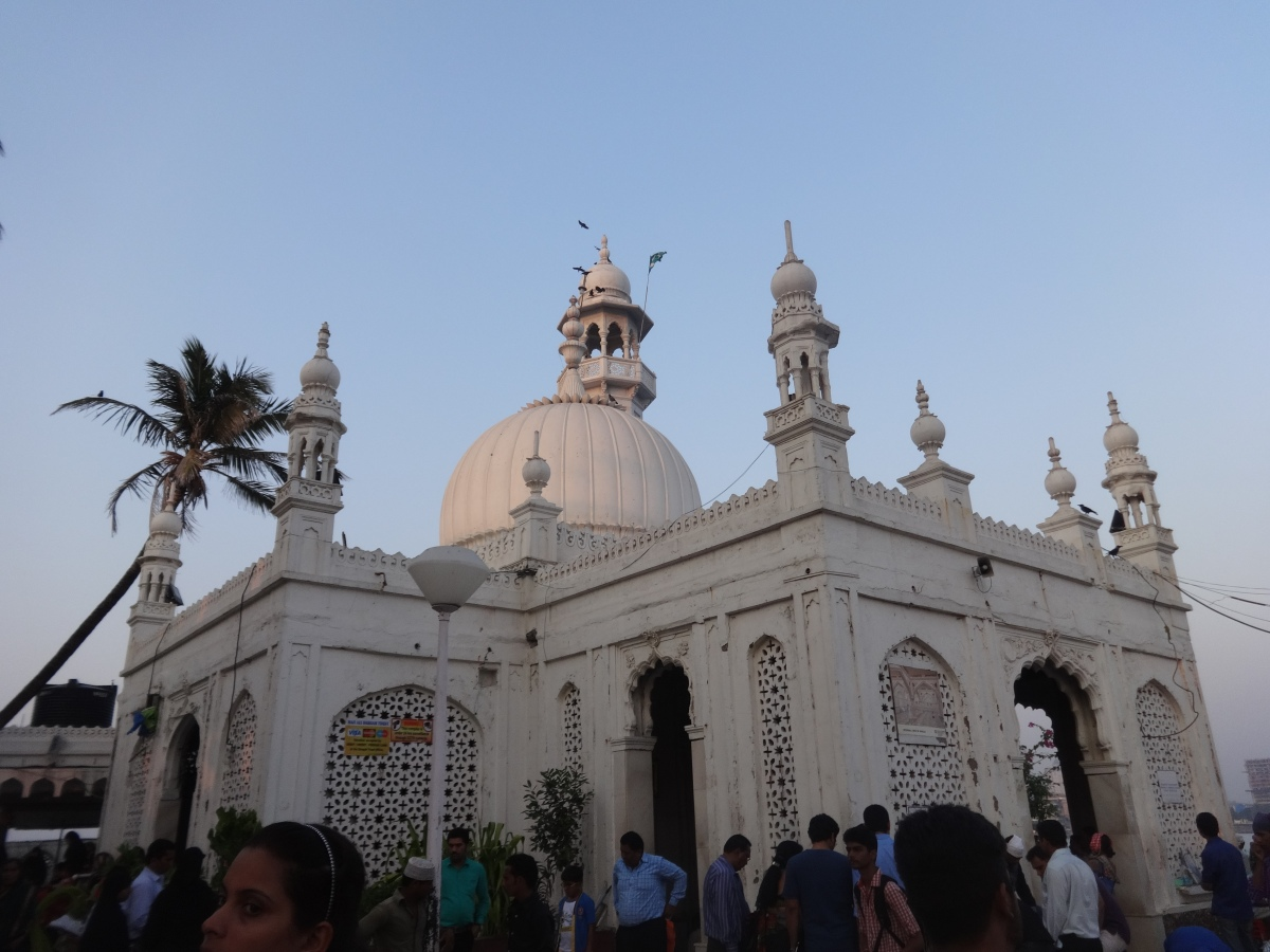 Haji Ali Dargah - A Mosque of Faith